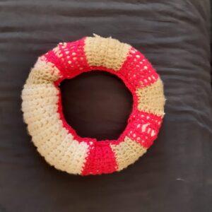 Háčkovaný záchranný kruh (nebo taky věnec)